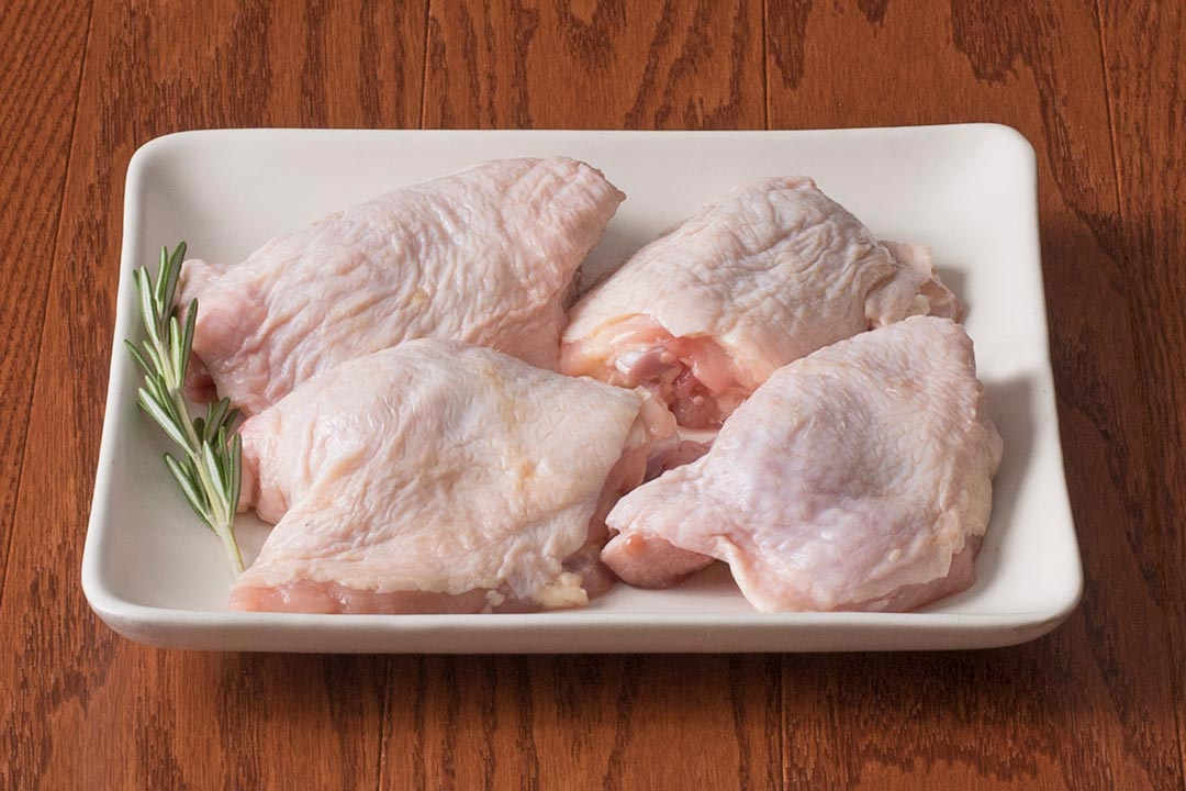 HarvestBox Free-Range Bone-In Chicken Thighs